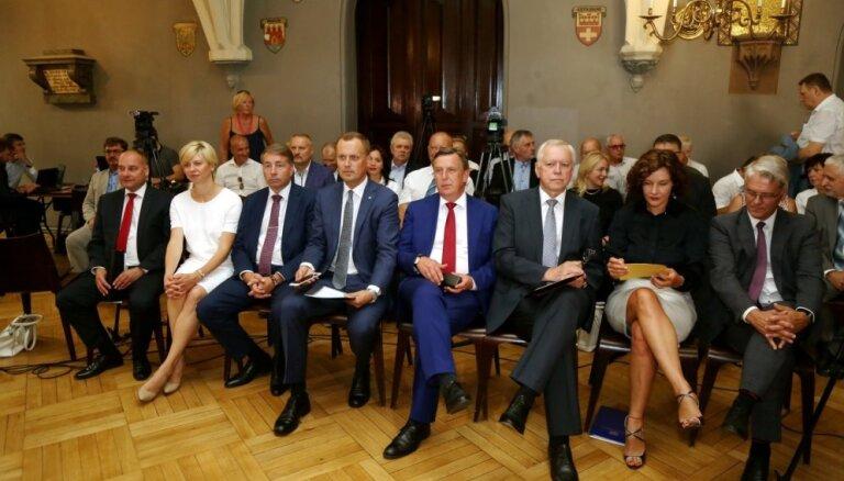 Aptauja: Otrā simpātija jeb vēlētāji savu partiju 'piekrāptu' ar ZZS