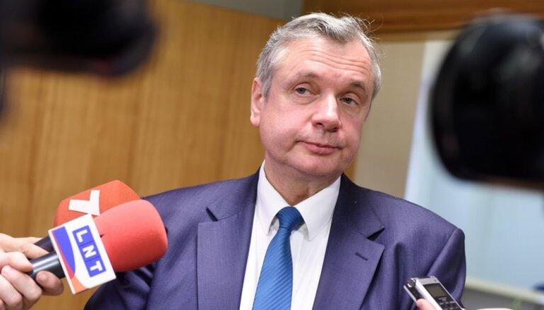 Saeimas komisija noraida pieprasījumu par disciplinārlietas ierosināšanu IZM