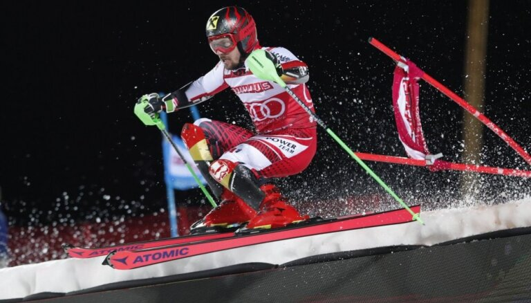 Hiršers jau sesto reizi iegūst Pasaules kausu slalomā