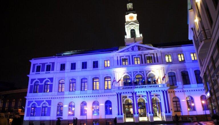 Pēc Ģenerālprokuratūras rosīšanās Rīgas dome sasauc 'norauto' jautājumu sēdi