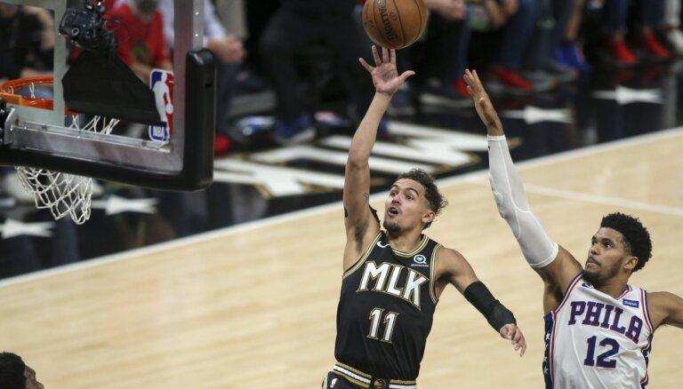 'Hawks' un 'Clippers' savainojumu pilnās spēlēs panāk 2-2