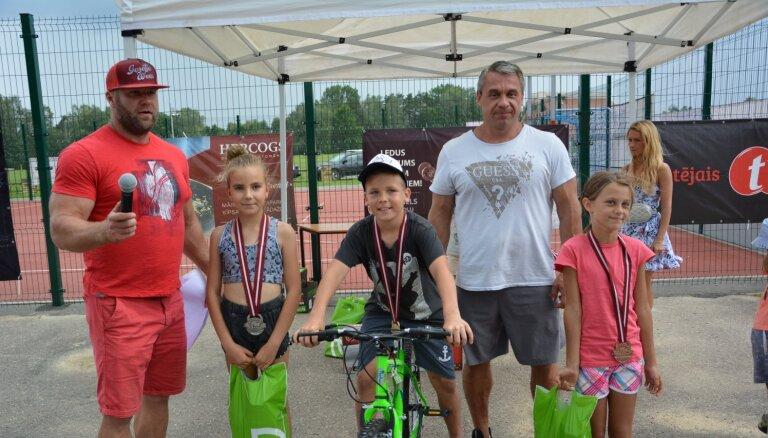 Zinību dienā Jelgavā paredzēts sportisku aktivitāšu pasākums bērniem