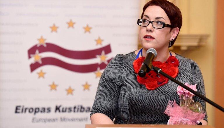 Darbu Rīgas domē atsāk Iveta Ratinīka