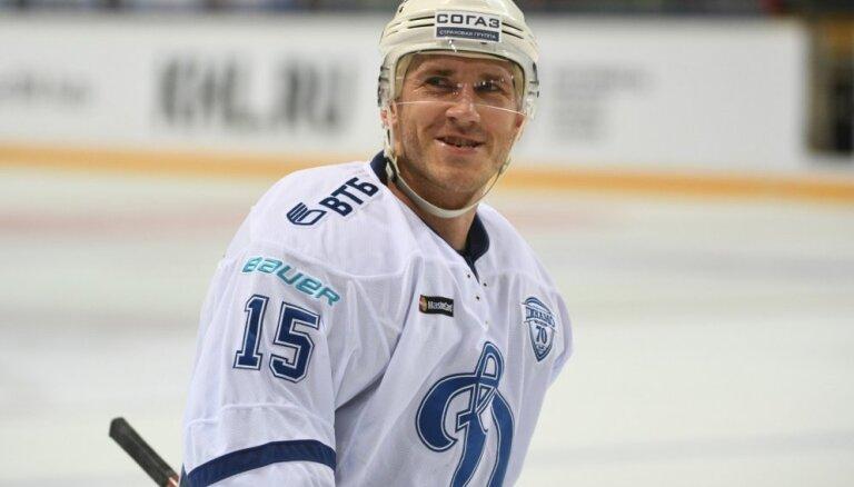 Karsums gūst vārtus Maskavas 'Dinamo' uzvarā pār 'Vitjazj'