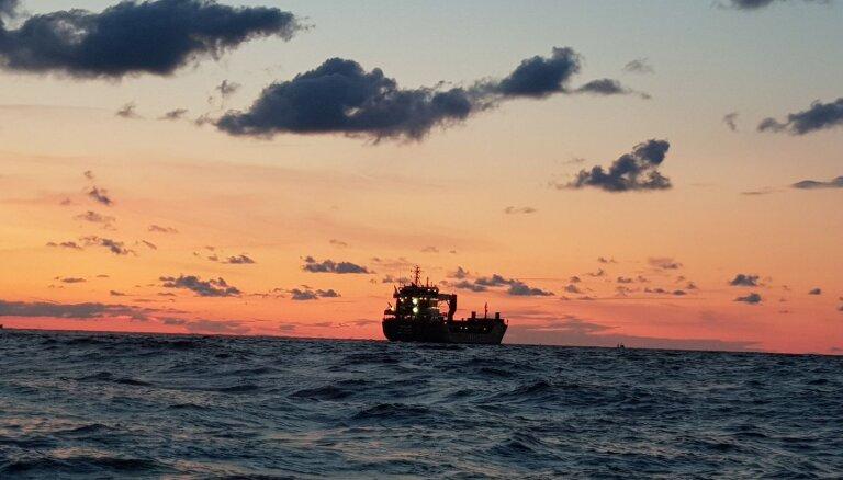 Foto: Iereibuša kapteiņa vadītais Antigvas un Barbudas kuģis Rīgas ostā