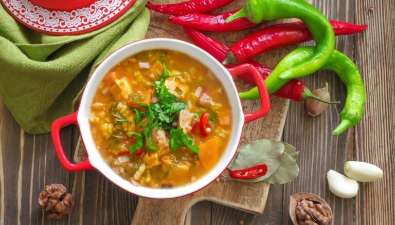 Čanahi, hinkaļi, dolmas un citi bīstami garšīgi Kaukāza ēdieni tavā virtuvē