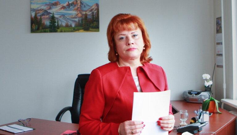 Veselības ministrija publiski atvainojas prettiesiski aizrotētajai VI direktorei Mežsargai
