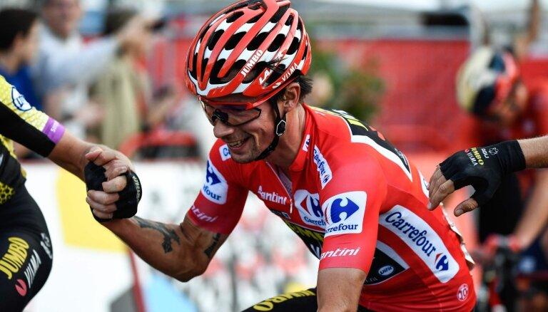 'Vuelta a Espana' sākas ar pērnā gada čempiona Rogliča uzvaru pirmajā posmā