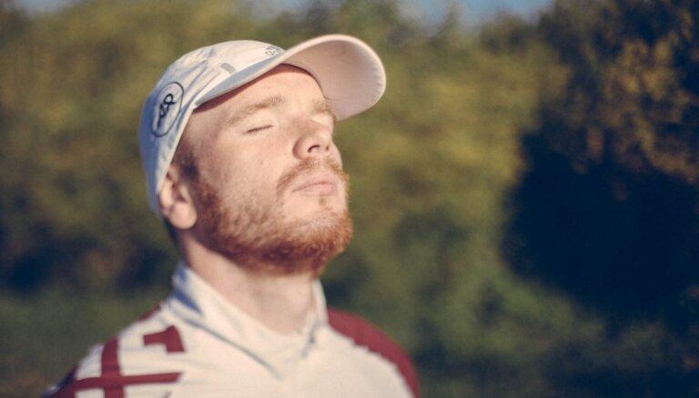 Tapusi dokumentālā filma par viena cilvēka skrējienu apkārt Latvijai