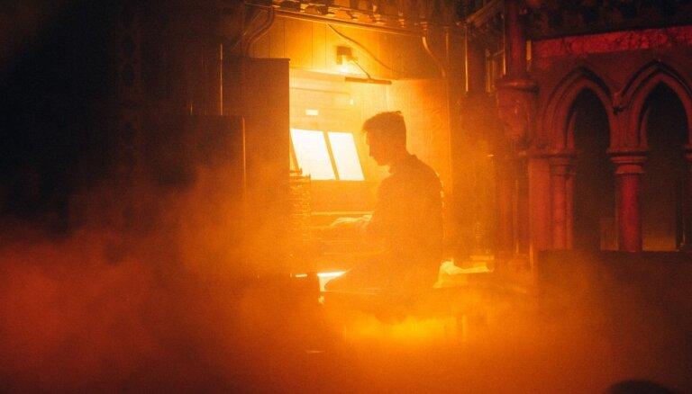 Koncertā bez skatītājiem Ventspilī uzstāsies ērģelnieks Džeimss Makvinijs