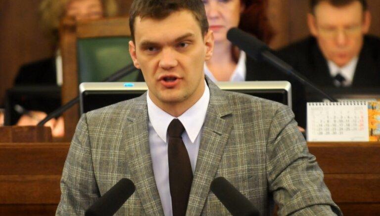 Olšteins nekandidēs Saeimas vēlēšanās un nākotnē plāno praktizēt kā advokāts
