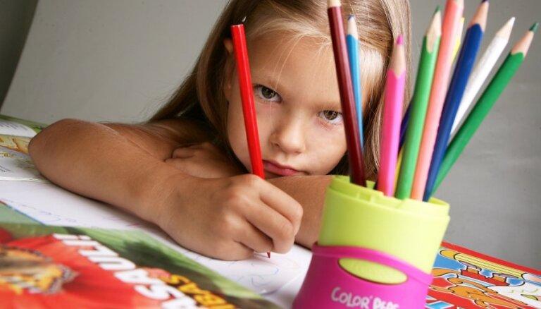 Soli pa solim: kas jādara, lai pieteiktu bērnu skolai