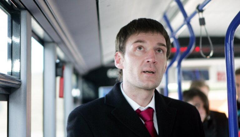 Отстраненный глава Департамента сообщения повторно выиграл суд у Рижской думы