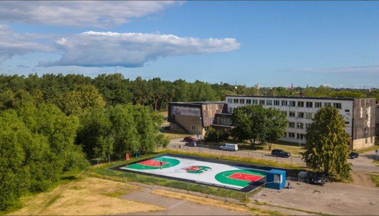 Liepājā tiks atklāts jau trešais Porziņģa basketbola laukums