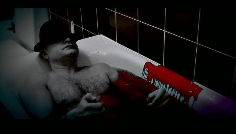 Vēnu griešana un asinis: 'Ryga' piedāvā provokatīvu video