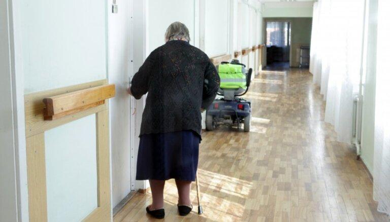Inspekcija neatklāj garīgi slimo pacientu sazāļošanu aprūpes centros