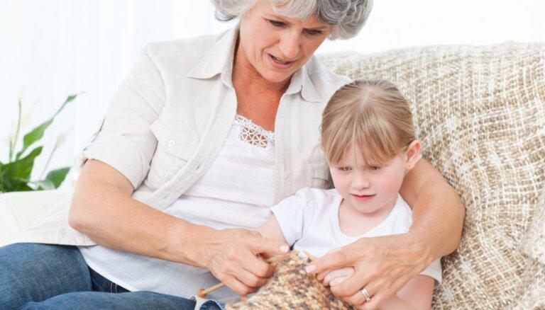 Vai var bērnam aizliegt tikties ar vecvecākiem