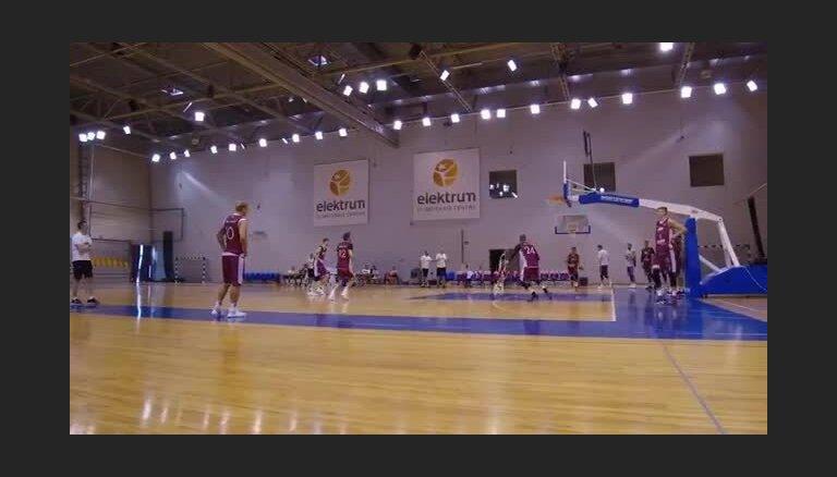 Latvijas basketbolisti aizvada pēdējo treniņu pirms došanās uz čempionāta
