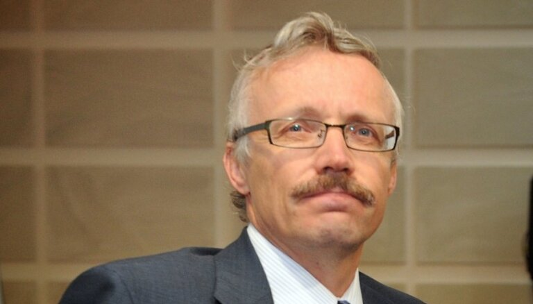 Завод за 1 лат. Экономист Эдмунд Крастиньш готовит книгу о том, как делили промышленность Латвии в 1990-х