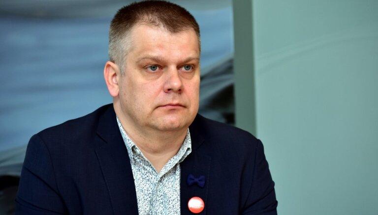 Novadu reforma: Ikšķilieši Rīgas pilī prasa prezidenta palīdzību sarunai ar Pūci