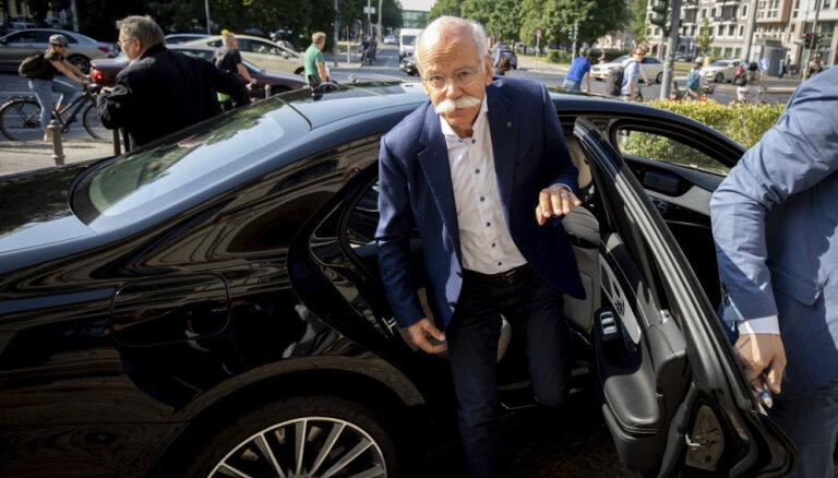 'Daimler' vadītājs Dīters Ceče nākamgad pametīs amatu