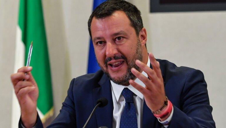 Salvīni kritizē četru valstu vienošanos par migrantu pārdali