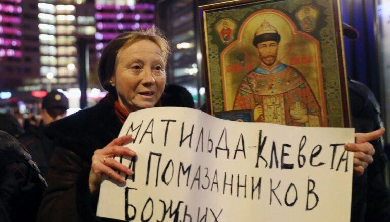 Тексты расследований журналиста Голунова выложены в публичный доступ; после публикации он получал угрозы