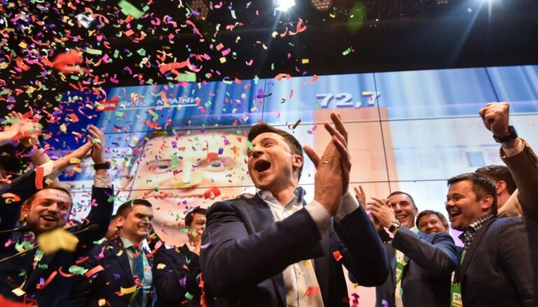 Ir pāragri apsveikt Zelenski, paziņo Kremlis