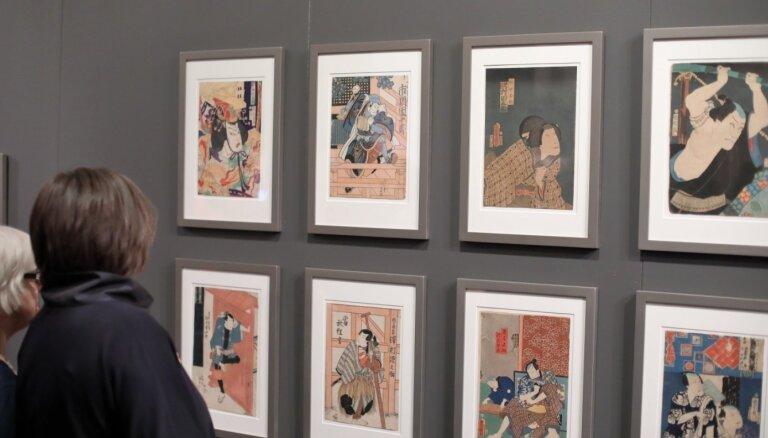 Foto: Mākslas muzejā 'Rīgas birža' atklāta apjomīga japāņu mākslas izstāde