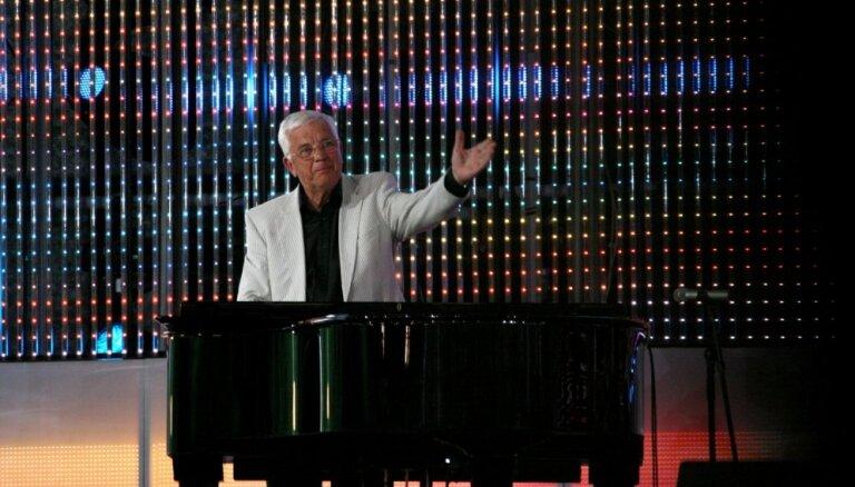 К юбилею Раймонда Паулса телеканалы покажут особую программу