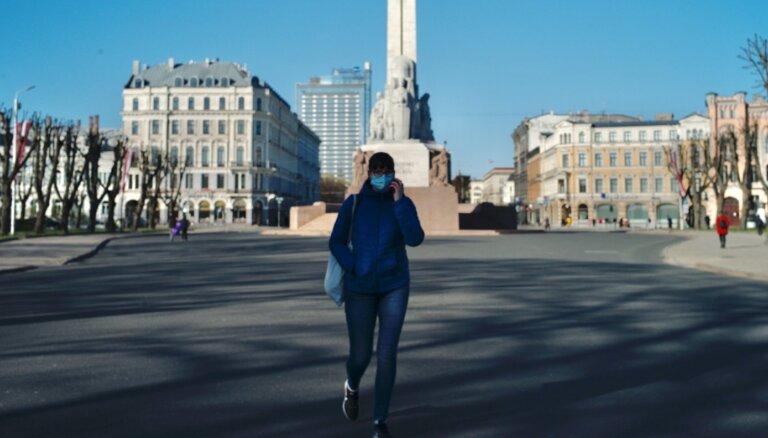 Не закрывая баров. Мировые СМИ и ВОЗ хвалят Латвию за то, как она справляется с Covid-19