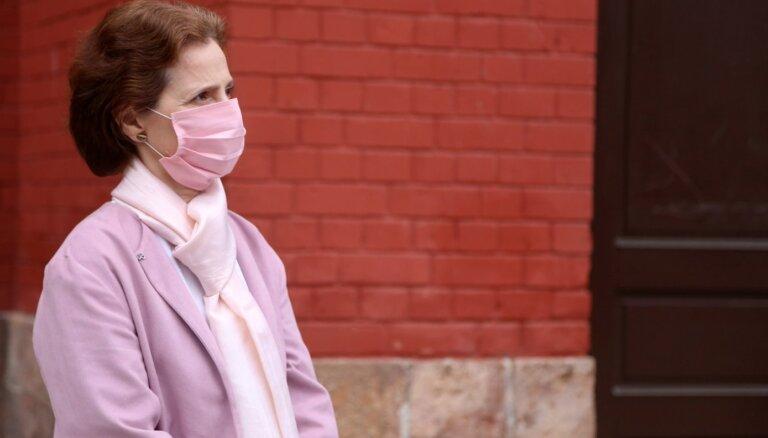 ФОТО: Жена Левитса получила прививку от Covid-19