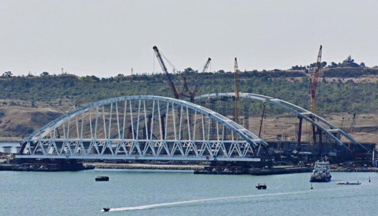 Ukraina ECT par nelikumīgu lūdz atzīt jūrnieku sagūstīšanu Kerčas šaurumā