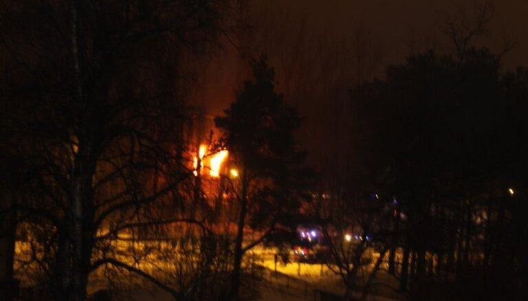 В Чиекуркалнсе вспыхнул пожар повышенной опасности
