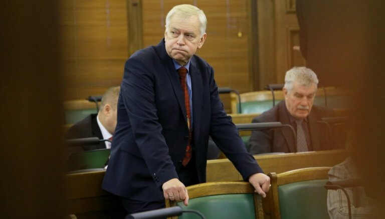 Не попавшего в Сейм Бригманиса сняли с поста лидера партии