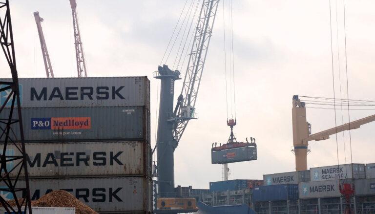 Кабмин поддержал уменьшение зарплат членов правления крупных портов на четверть