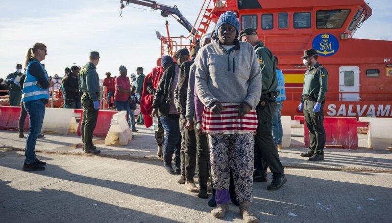 ES atstāj tikai 40% izraidīto nelegālo imigrantu