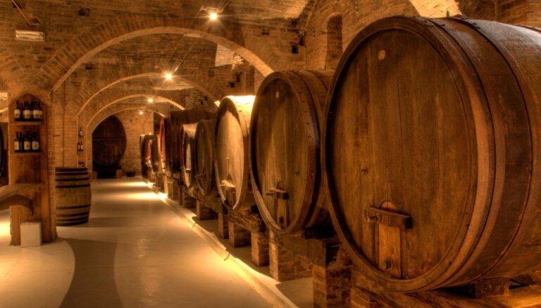 5 pasaules vecākie vīna bāri, kas darbojas joprojām