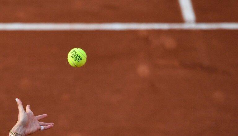 Jaunā tenisiste Bartone sasniedz 'French Open' junioru sacensību astotdaļfinālu