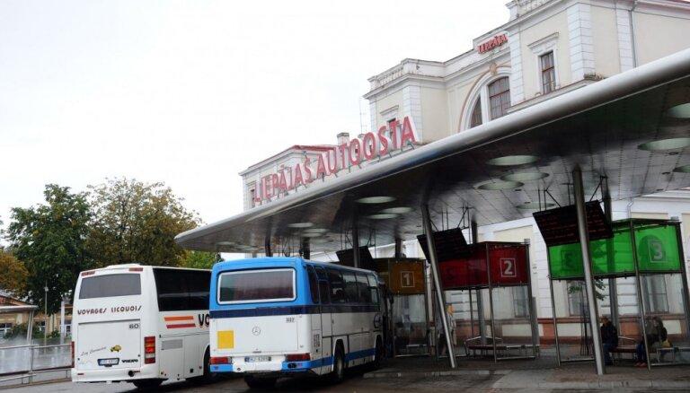 Больной Covid-19 в четверг ехал в автобусе Лиепая - Рига