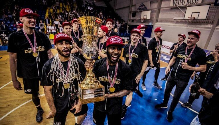 Foto: 'Vefiņš' svin sesto Latvijas Basketbola līgas titulu