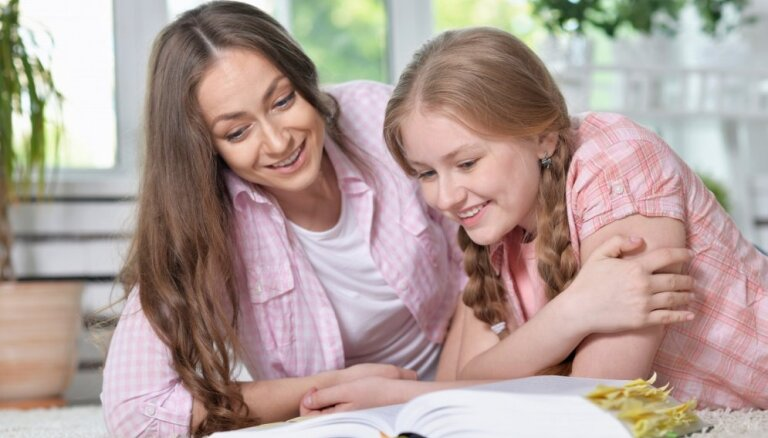 Nepadoties burtu jūkļa priekšā: Disleksijas biedrība aicina skolēnus pieteikties Izcilības balvai