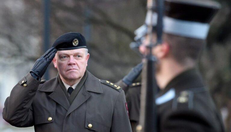 Глава НВС: если бы мы не платили нашим солдатам, часть из них уехала бы в Ирландию