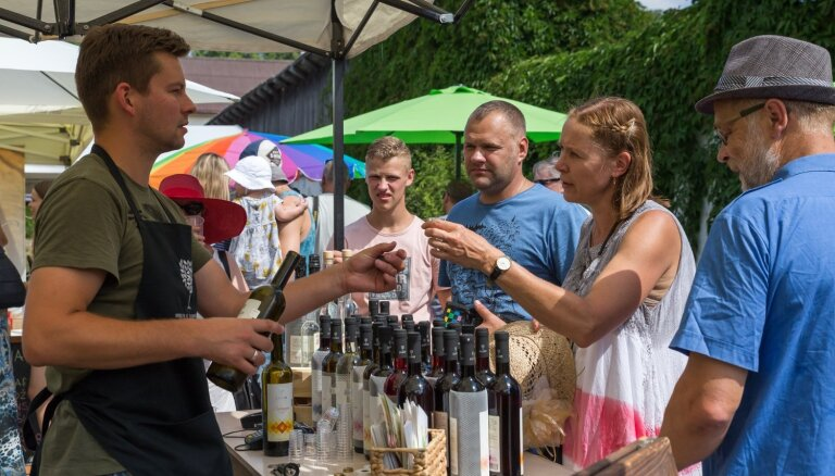 Aicina uz dzirkstošu pasākumu jūlija izskaņā – Sabiles Vīna svētkiem