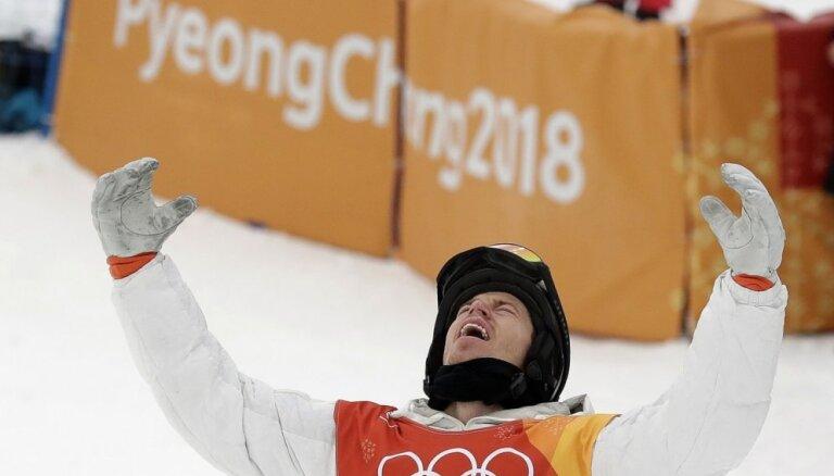 ASV snovborda leģenda Vaits Phjončhanā fantastiski izrauj savu trešo olimpisko zeltu