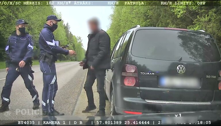 ВИДЕО: Полицейские задержали пьяного водителя, летевшего на скорости 160 км/ч
