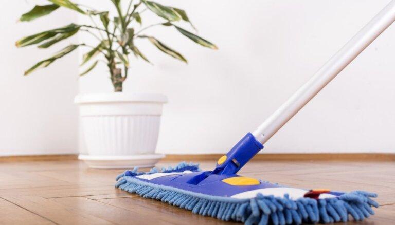 Eļļots grīdas segums – kā to pareizi mazgāt un spodrināt