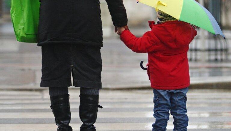 Синоптики: в пятницу начнет теплеть, местами ожидаются дожди