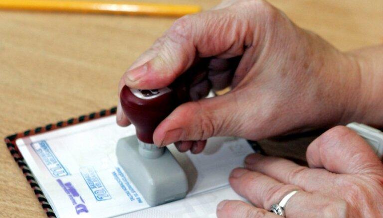 CVK: 'Nepilsoņu referendumam' iesniegts pietiekams skaits derīgu parakstu