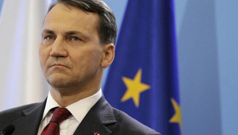 Сикорский: Путин предлагал Польше поучаствовать в разделе Украины